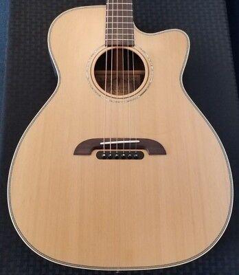 Alvarez Yairi Stage Folk Acoustic-Electric Guitar w/ Hard Case