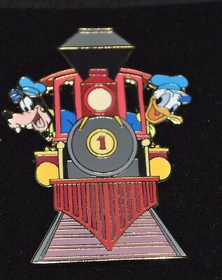 Rare Disney Auctions Trading Pin LE250 Donald Goofy on Train egine Mint on Card