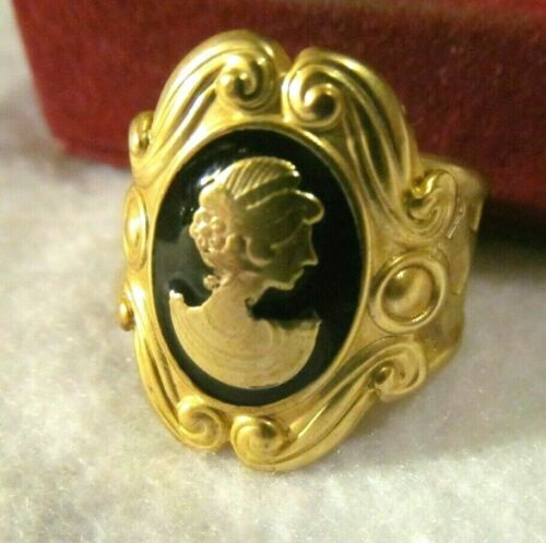 Pretty ,VICTORIAN  ENAMEL ETRUSCAN  CAMEO WIDE GOLD RING