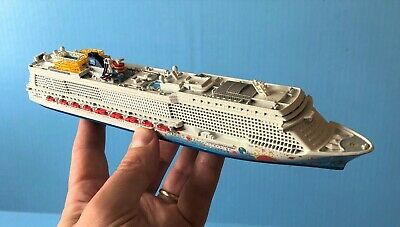 Cruise Ship Terminal Schuppen 1:1250 1//1200 Pier 3
