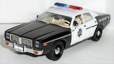 1/43 JAMES BOND 007 / 2007 DODGE MOANCO / SFPD = SAN FRANCISCO POLICE DEPARTMENT