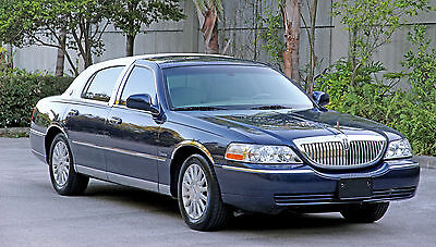 2003 Lincoln Town Car Islander Edition 71K Low Miles  Accident Free 100  Florida Car Custom Clean Carfax Carriage Top