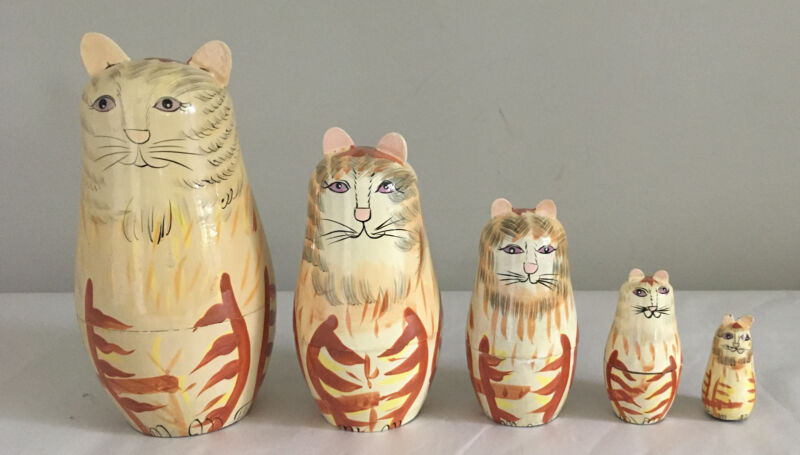 Set of 5 Cute Painted Wooden Cat Nesting Dolls