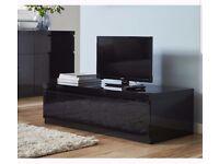 ReDuCeD black high gloss 2 piece furniture