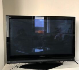 42 inch Panasonic TH-42PX70BA Widescreen Viera HD Ready Plasma IDTV Television with Freeview