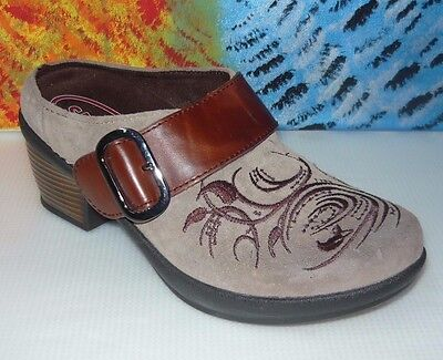 Klogs Brown Paisley Embossed Leather Buckle Accent MULE/CLOGS 6M