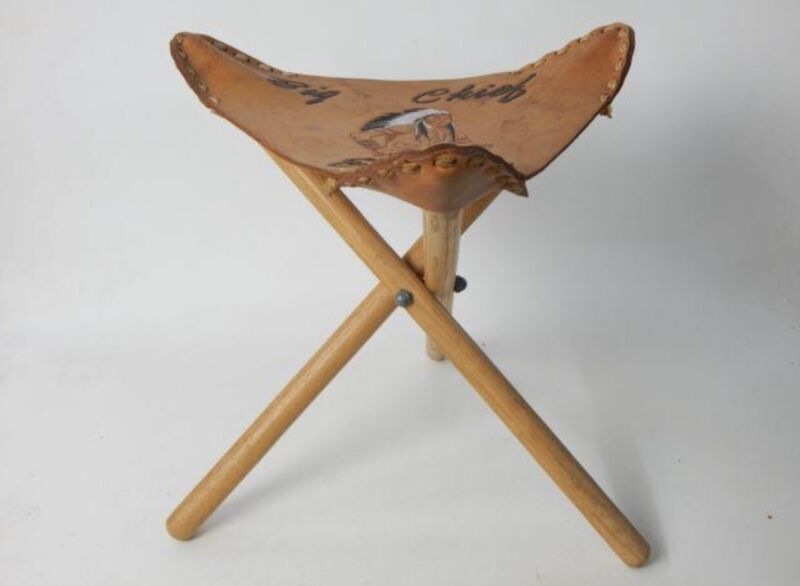 VTG FOLDING TRIPOD TRIANGLE STOOL w/THICK HAND TOOLED LEATHER SEAT Indian