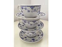 Set of 3 vintage blue and white mason tea cups