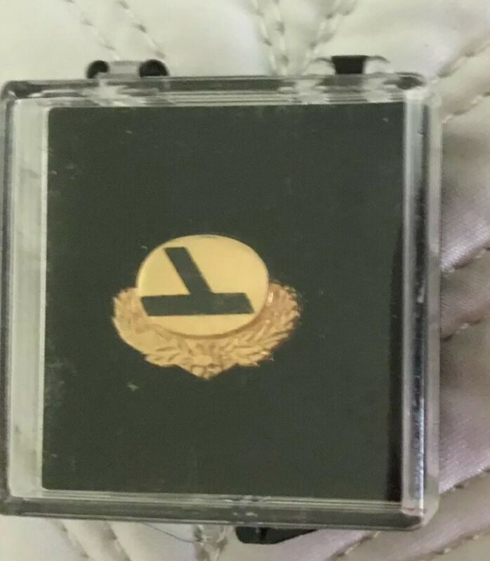 Vintage Eastern Airlines EA 10 Years Service Pin Gold Original Box