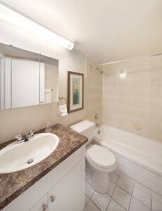 CENTRAL DOWNTOWN Location: Ideal for Working Professionals! Edmonton Edmonton Area image 5