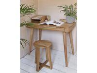 Futon Company Madrid model solid oak writing desk new condition