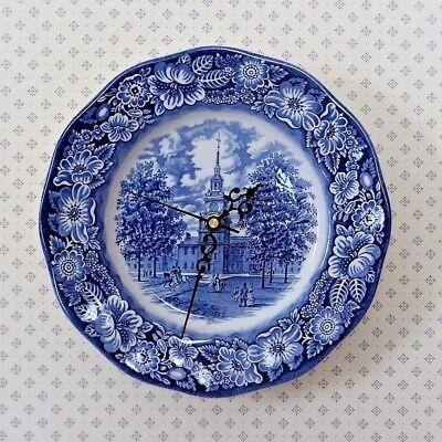 Collectible INDEPENDENCE HALL Philadelphia Liberty Cobalt Blue Plate Clock