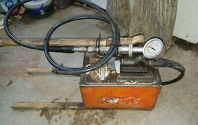 Spx Otc Power Team P460 Hydraulic Hand Pump Pressure Gauge 700 Bar 10000 Psi