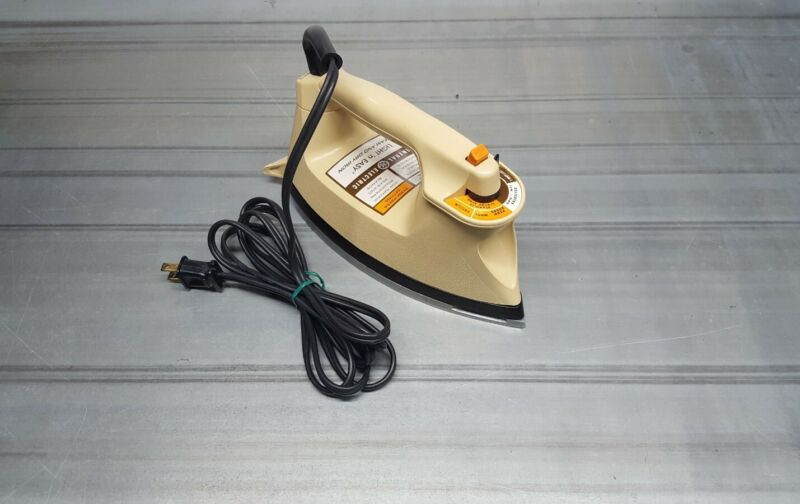 Vintage General Electric GE Light N Easy Steam Iron F1 363BE Tested Working