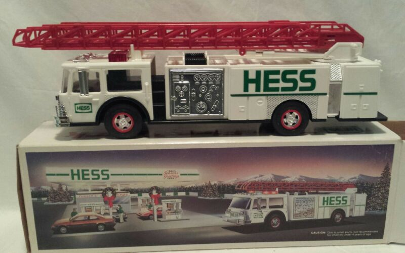 HESS 1989 FIRETRUCK BANK TOY