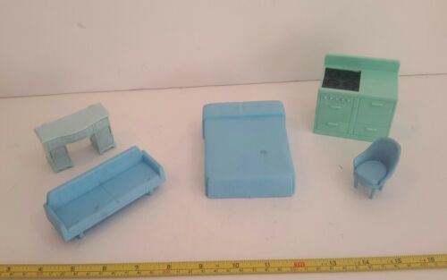5 Piece Lot Of Doll House Furniture Plastic 1960s By Renewal 2 - $6.19
