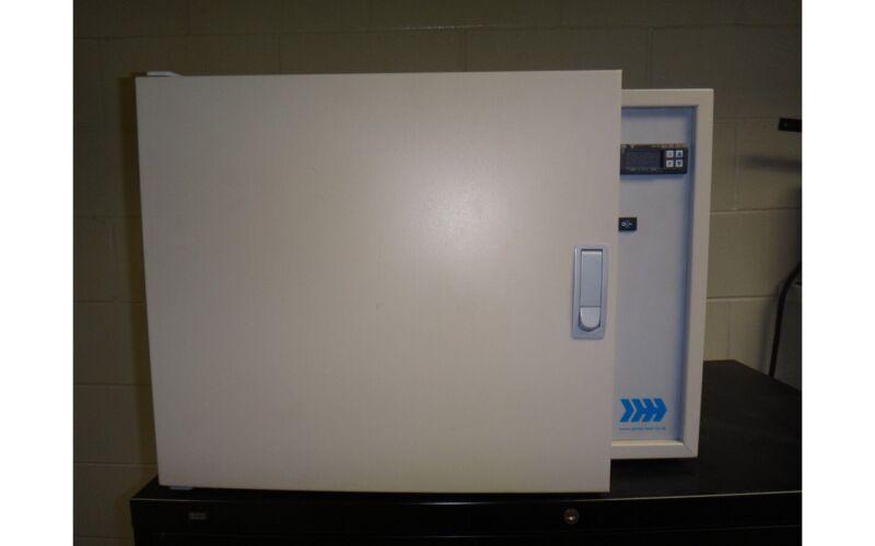 Carbolite HX30 Laboratory Oven 428F Max Temp