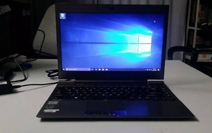 Toshiba Ultrabook PT235A-04C04X slim laptop, i5, 10gb RAM, Win 10
