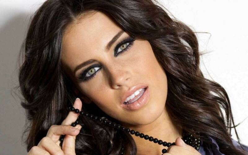 Jessica Lowndes Black Pearl Necklace 8x10 Photo Print