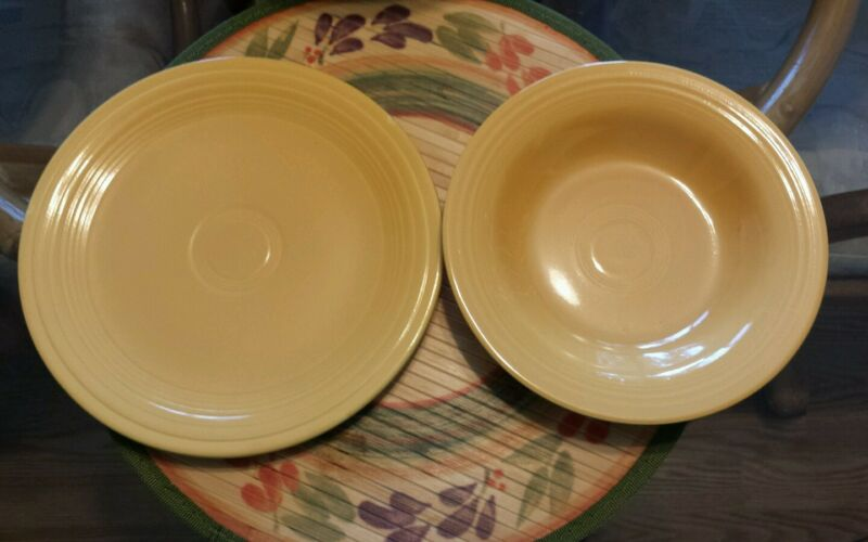 VINTAGE HLC FIESTA ORIGINAL YELLOW DEEP RIMMED SOUP BOWL AND 9.5 INCH PLATE EUC