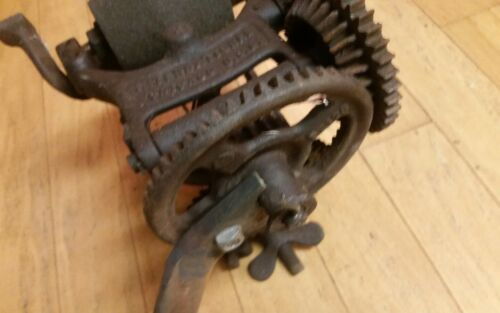 ::ANTIQUE INTERNATIONAL HARVESTER HAY MOWER SICKLE SHARPENER TRACTOR HORSE FARM