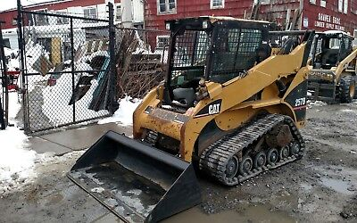 CAT 257B rubber tracked  SKIDSTEER bobcat  SKID STEER LOADER Caterpillar