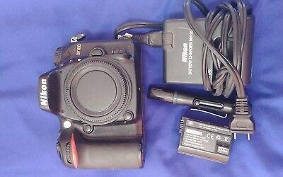 Nikon D D7100 24.1MP Digital SLR Camera - Black (Body Only) - Very nice!!