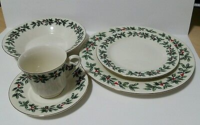 Formalities Holly Collection Baum Brothers Dinner Salad Saucer Bowl Plate Cup