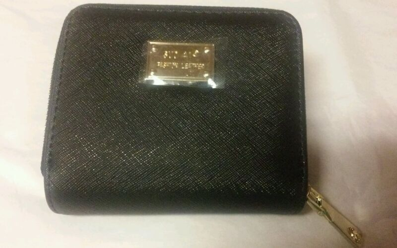 Women's Wallet/Coin Purse. Choose your color! New!