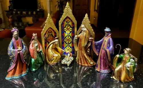 Rare 8-Piece Bombay Company Nativity Set w/ Stained Glass Back Ground Ex. Cond.!