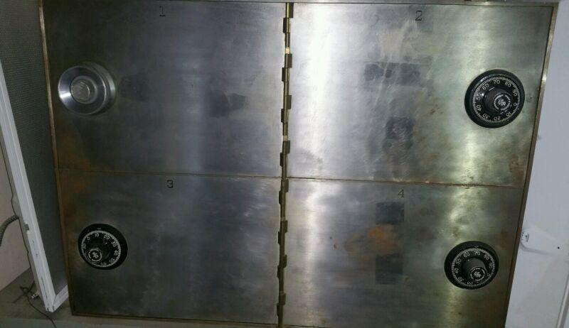 Vintage Sargent & Greenleaf 4 Door Bank Safe w/Combination Lock Solid OPEN WORKS