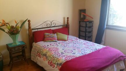 Bright Double room for rent in Earlwood