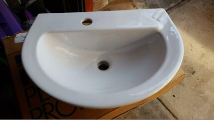 Kohler White Parigi Pedestal Basin with Stand **BRAND NEW** Caringbah Sutherland Area Preview