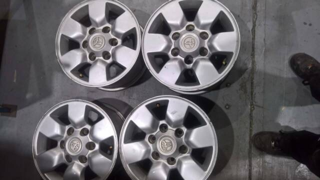 Hilux Sr5 15 Inch Rims Good Condition Wheels Tyres