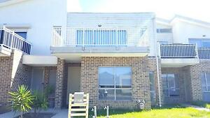 House Share double story unit Craigieburn Hume Area Preview