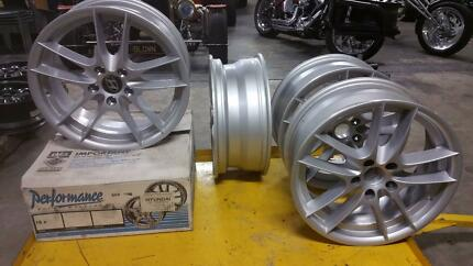 SUIT MANY CARS 18 X 7 Tempest alloy mag wheels BRAND NEW SET