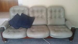 3 SEATER LEATHER LOUNGE Yarramundi Hawkesbury Area Preview