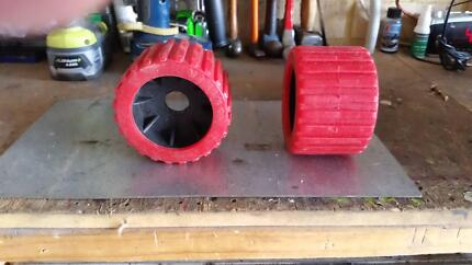 """4"""" BOAT TRAILER WOBBLE ROLLERS x 2 off"""