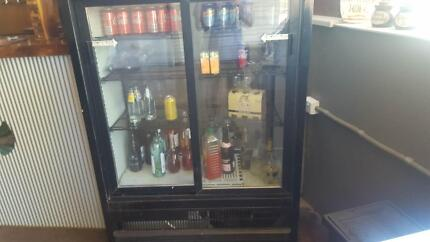Drink/bar fridge accessable from both sides
