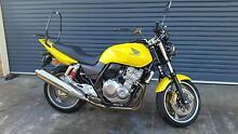 Honda CB400 motorbike Burnie Burnie Area Preview