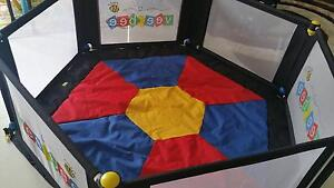 6 sided Play yard with playmat Vee Bee - In brand new condition Southern River Gosnells Area Preview