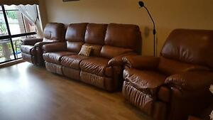Recliner Leather Lounge Suite Carrum Downs Frankston Area Preview