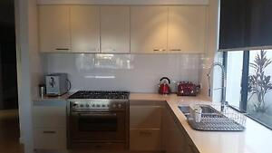 Second hand kitchen in very good condition Hope Island Gold Coast North Preview