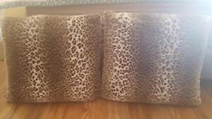 2 extra large animal print cushions Hocking Wanneroo Area Preview