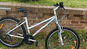 Giant Ladies Bike - Size Small Hurstville Hurstville Area Preview