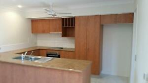 Pre-Loved / Second hand  KITCHEN Varsity Lakes Gold Coast South Preview