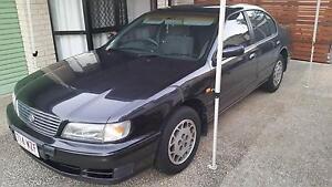 1995 Nissan Maxima Sedan Carrara Gold Coast City Preview