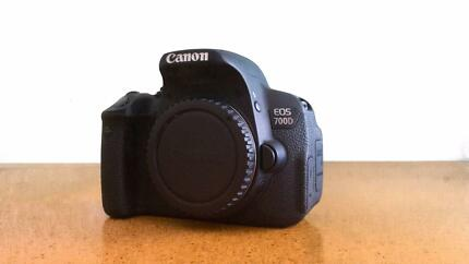 Canon EOS 700D (With Lens Package)