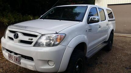 Toyota Hilux SR5 Automatic Full Service History
