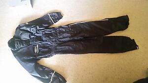 Motorbike rain suit - size medium Lesmurdie Kalamunda Area Preview